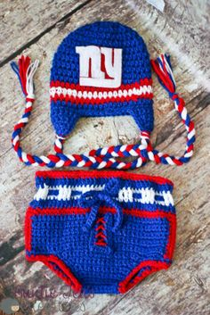 #FAN-tastic Friday Week #4 - by Jenifer #fantasticfriday #patterns #patternparadise #hat #crochetdiapercover #NFL
