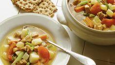 Septembergryte Pork Recipes, Fruit Salad, Pasta Salad, Cantaloupe, Cooking, Ethnic Recipes, Food, Crab Pasta Salad, Essen