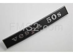 """Targhetta scritta """"Vespa 50 s"""" per parte posteriore Vespa 50 Special  sim.152510 (CIF), ricambio 5755"""