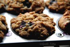 Blueberry Banana Muffins with a Crumble Topping.  GenkiKitty.wordpress.com #genkikitty #blueberry #muffin #banana #crumble #breakfast #vegan #soychick