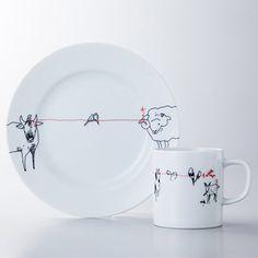 若手デザイナーが自由な発想で描いたユニークなプレート&マグカップ。【プレート&マグカップセット(赤い糸)】