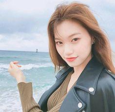 she's so stunning? Jooheon, South Korean Girls, Korean Girl Groups, Kim Doyeon, Unique Faces, Sungjae, Seolhyun, I Love Girls, The Most Beautiful Girl