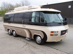 GMC motorhome, utilized the Oldsmobile Tornado front wheel drive system.