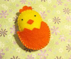felt chick in an egg <3