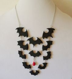 Halloween Polymer Clay Bat Swarm Bib Necklace by Richard Gallo-Anderson of MarkalinoJewelry Polymer Clay Halloween, Fimo Clay, Polymer Clay Charms, Polymer Clay Projects, Polymer Clay Creations, Handmade Polymer Clay, Clay Crafts, Polymer Clay Jewelry, Polymer Clay Art