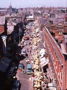 Moore Street - Looking towards Parnell Street - towards Parnell Street. The left side since demolished to build the Ilac Centre. Cork Ireland, Dublin Ireland, Ireland Travel, Ireland With Kids, Images Of Ireland, Ireland Pictures, Dublin Street, Dublin City, Old Pictures