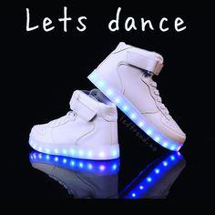 Hvem joiner?  #ledtrend #dans #danseglede #dansetime #dance #hiphopculture #dansemoro #dansesko #danseskole #dansefest #sommer #fest #strandfest #sko