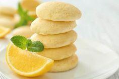 Biscotti al limone senza burro Fresco, Biscuits, Biscotti Cookies, Sweet Cooking, Plum Cake, Snack Recipes, Snacks, Limoncello, Croissant