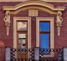 Balkón na pešej zóne v Nitre Amazing Pictures, Windows, Balcony, Ramen, Window