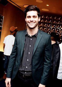 How is Matt Daddario so darn gorgeous!
