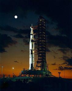 The Beast (Saturn V) [800x1013] http://ift.tt/2zMuqz9