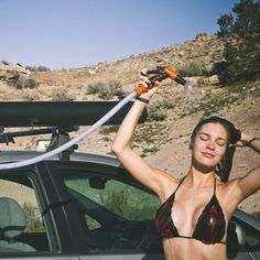 Solar Heated Roof Rack Road Shower / This gorgeous set of Solar Heated Roof Rack Road Shower can actually help you take a hot bath anywhere on the road. http://thegadgetflow.com/portfolio/solar-heated-roof-rack-road-shower/