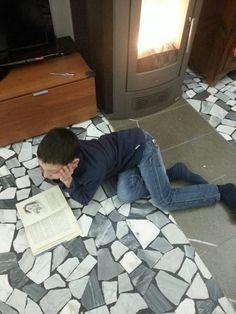 #cosastoleggendooggi #lascensoredicristallo #roalddahl  Cosa sto leggendo oggi?   Roald Dahl Il grande ascensore di cristallo  ... non è nemmeno riuscito a raggiungere il letto!  :-D