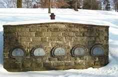 Escapable vault in Williamsport Wildwood Cemetery
