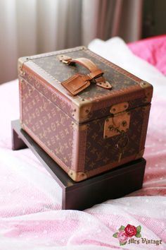 Louis Vuitton Classic Monogram Toiletries Train Case with Mirror*