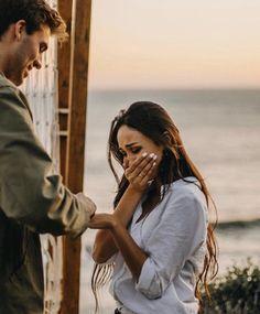 Beach Proposal, Proposal Photos, Proposal Ideas, Perfect Proposal, Surprise Proposal, Engagement Couple, Engagement Pictures, Engagement Gifts, Wedding Dress Organza