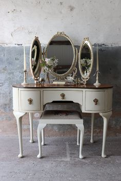 May 2020 - Lovely Linen Painted Vintage Kidney Shaped Walnut Dressing Table Dressing Table Vanity, Vintage Dressing Tables, Dressing Table With Stool, Dressing Room, Refurbished Furniture, Shabby Chic Furniture, Painted Furniture, Furniture Projects, Diy Furniture