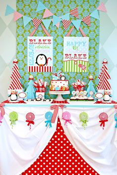 Winter Candyland Birthday Party - love it since I have TWO winter birthday babies! Winter Birthday Parties, Christmas Birthday, Christmas Candy, Christmas Decor, Winter Parties, Party Summer, Kids Christmas, Christmas Trees, Christmas Parties