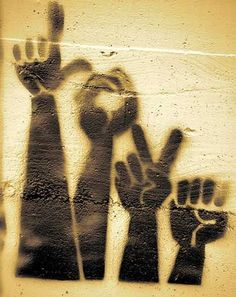 L-O-V-E art graffiti Banksy Street art is your friend. Banksy, Graffiti Artwork, Street Art Graffiti, Amazing Street Art, Amazing Art, Awesome, Sticker Art, Wow Art, Chalk Art