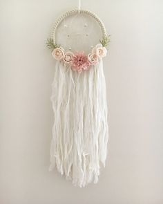 Tranquil Floral Dream Catcher with Pink & Mauve Florals and Greens Excited to share this item from my shop: Tranquil Floral Dream Catcher Dream Catcher Decor, Dream Catcher Boho, Lace Dream Catchers, Diy And Crafts, Arts And Crafts, Diy Tumblr, Ideias Diy, Pastel Floral, Pink Peonies
