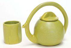 Modern tea pot