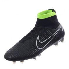 a9fbcbcddf El fútbol nunca volverá a ser igual gracias a la continua innovación que  ofrece Nike. En éste caso se trata del calzado revolucionario Nike Magista  Obra FG.