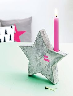 Concrete isn't just for the infrastructure and base of certain buildings. You can use concrete in a variety of DIY projects, and infuse it into everyday products. Cute Candles, Pink Candles, Diy Projects Love, Project Ideas, Diy Luminaire, Concrete Candle Holders, Deco Rose, Beton Design, Navidad Diy