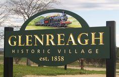 Glenreagh Village Welcome Sign / Danthonia