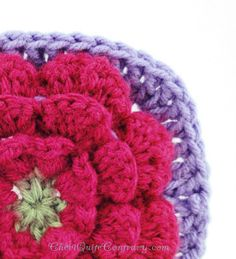 Cheri Quite Contrary: Flower Granny Square link to pattern