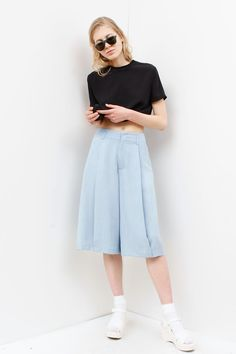 simple + classic with a twist #croptop #minimal