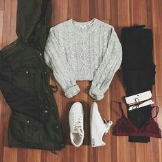 Lila Outfits, Cute Comfy Outfits, Teenager Outfits, Trendy Outfits, Cool Outfits, Simple Outfits For School, Jones Fashion, Winter Fashion Outfits, Beautiful Outfits