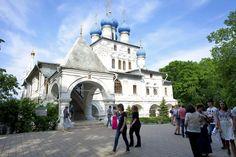 Kolomenskoye - Church of Our Lady of Kazan, 17th century.  #travel #russia #places