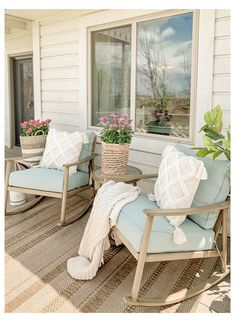 Simple + Cozy Deck for Summer #beach #outdoor #decor #beachoutdoordecor Well we've made it to day five of Outdoor Decor Week!! It's been fun, right?! I've definitely enjoyed it and I hope you have too.… Outdoor Spaces, Outdoor Living, Outdoor Patios, Outdoor Kitchens, Outdoor Seating, Home Furniture, Outdoor Furniture Sets, Backyard Furniture, Furniture Ideas