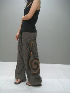 Ninja pant (brown) via Etsy.