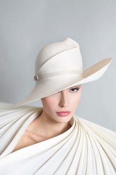 ada3a5d7da388 Women S Fashion Chain Crossword. Contemporary Galleries of haute couture  and Fantastic Wedding Hats