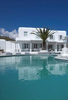 The #Mykonos Ammos #Hotel www.mediteranique.com/hotels-greece/mykonos/mykonos-ammos-hotel/