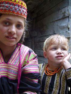 Portrait Photos : Kalash Welfare