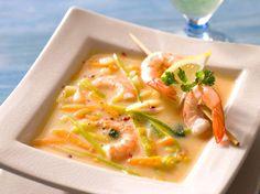 Découvrez la recette Soupe de crevettes au citron sur cuisineactuelle.fr.