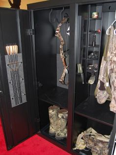 Nice storage setup for bowhunting equipment if you have the room.... in man cave when we get our house!