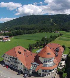 Parkhotel Schönblick im Herzen der Dolomiten – ein idealer Ort für Ihren Sommerurlaub! /  Parkhotel Schönblick in the middle of the Dolomites – a perfet places for your summer holiday!