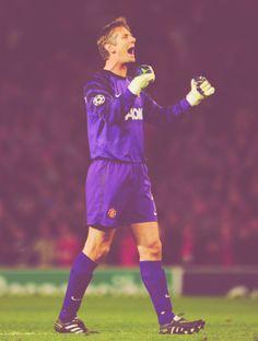 Edwin Van der Sar, Manchester United FC. I miss him!!!<3 Legends Football, Sport Football, Football Players, Soccer, Milan, Chelsea, I Miss Him, Man United, Goalkeeper
