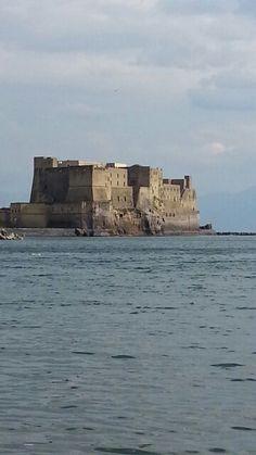 Castel dell ' Ovo