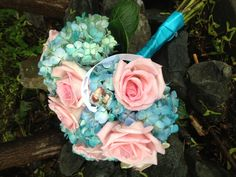 Hydrangea and open roses