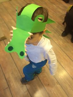 Crocodile Costume Crocodile Craft, Crocodile Costume, Activities For Kids, Crafts For Kids, Arts And Crafts, Paper Crafts, Alligator Costume, Roald Dahl Costumes, Jungle Crafts
