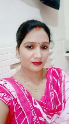 Anamika Singh has just created an awesome short video Beautiful Girl In India, Beautiful Women Over 40, Indian Natural Beauty, Indian Beauty Saree, Beauty Full Girl, Beauty Women, Real Beauty, Best Beauty Blender, Dru Hill