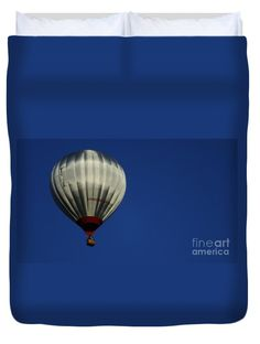 """Take to the sky Queen (88"""" x 88"""") Duvet Cover"""