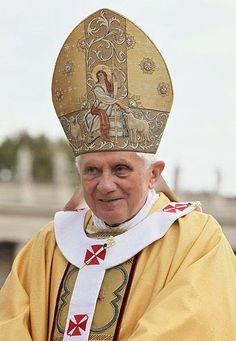 Genealogical Gems: On This Day: Pope resigns ...  http://genealogybyjeanne.blogspot.com/2015/02/on-this-day-pope-resigns.html?spref=tw #OnThisDay #history