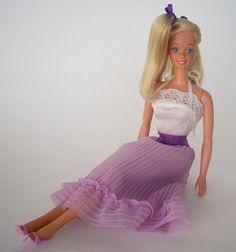 Barbie pretty party 1983 This was my first Barbie! Barbie 80s, Barbie Party, Barbie World, Vintage Barbie, Barbie Stuff, Childrens Dolls, Barbie Friends, Fashion Dolls, Doll Clothes