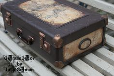 Мастер-классы Юлии Герман Vintage Suitcases, Vintage Luggage, Eco Furniture, Shabby Chic Furniture, Decoupage Suitcase, Beatrix Potter Nursery, Deco Podge, Stencil Wood, Vintage Trunks