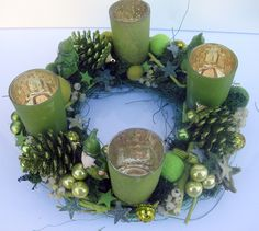 giftgrüner - wichteliger Adventskranz von kunstbedarf24 auf DaWanda.com